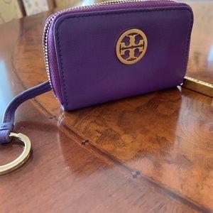 Small Tory Burch wallet w keychain
